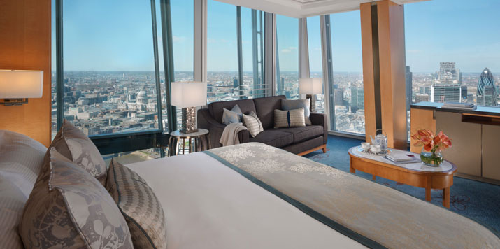 shangri-la-hotel,-at-the-shard,-london---guest-bedroom